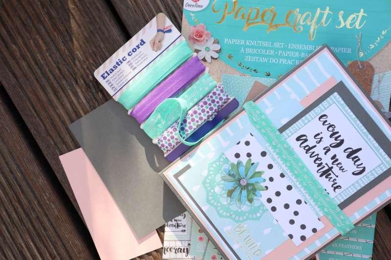 Craft Update Mini-Album Action Paper-Craft Set Trifolder Mini Album Tri-fold Card Folio Scrapbooking